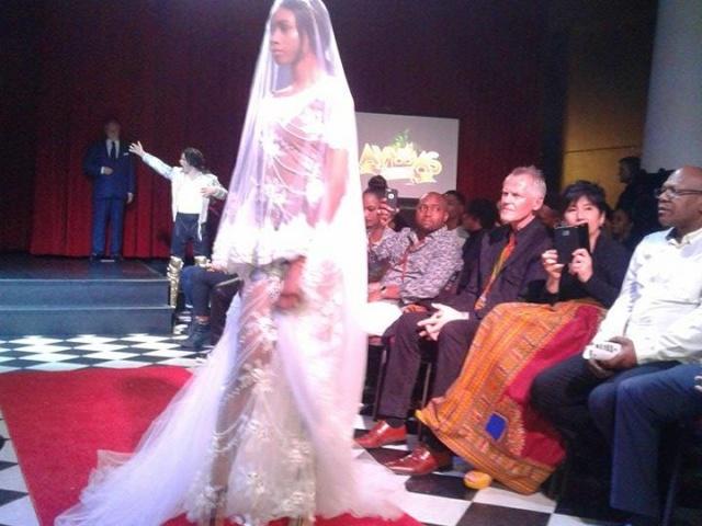 Les Caraïbes arborent majestueusement la haute couture à Montréal